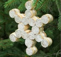 wonderful diy tree ornaments using wine corks