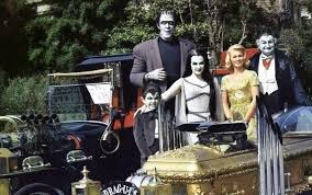 Munsters Halloween Costumes 4 Answers Family Halloween Costumes Quora