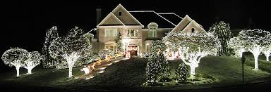 Where To Find The Best Christmas Light Displays In Virginia And
