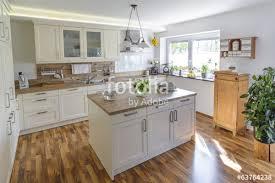 kche landhausstil küche im landhausstil stockfotos und lizenzfreie bilder auf