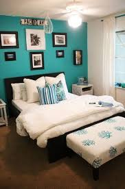 Turquoise Home Decor Ideas Best 25 Coral Accent Walls Ideas On Pinterest Coral Room
