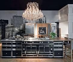 cuisine avec piano un piano de cuisson noir pour une cuisine luxueuse maison