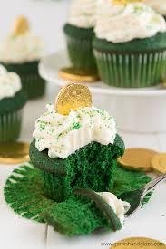 green velvet st patrick u0027s day cupcakes garnish u0026 glaze