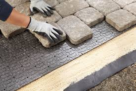How To Install Pavers For A Patio Exterior How To Lay Pavers With Brick Pavers In A Pattern Apps