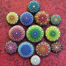 simply creative mandala stone art by elspeth mclean