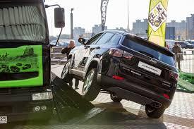 jeep compass jeep compass u201c bandymams u2013 bekelės kliūčių ruožas ant asfalto