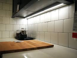 Lights Under Kitchen Cabinets Wireless by How To Install Lights Under Kitchen Cabinets Battery Operated