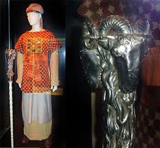 high priest costume indiana jones exhibit at the national geographic museum fedoradude