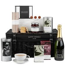 wedding gift debenhams 10 wedding gifts newlyweds will mrs2be