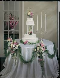 wedding cake table ideas 14 best wedding cake and table images on garlands