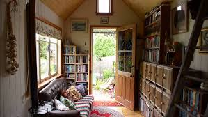 150 sq ft get charmed by this woman s self built 150 sq ft home video