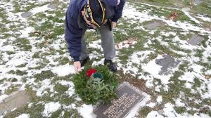 medal of honor recipient honored with wreath