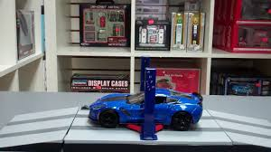 1 24 scale battery operated garage shop magic auto lift youtube 1 24 scale battery operated garage shop magic auto lift