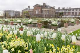 kennington palace kensington palace opens beautiful memorial garden for princess diana
