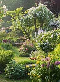 garden tour where conifers and texture rule gardens