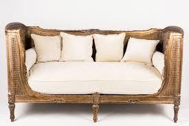 canapé de repos canapé de repos doré ivoire collas decoration