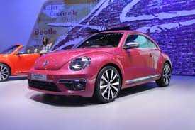 new volkswagen beetle 2016 vw beetle concepts show future special editions autoguide com news
