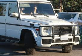 kris jenner mercedes suv jenner photos photos kendall jenner out shopping