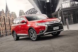 mitsubishi outlander sport 2016 red 2016 mitsubishi outlander pricing u0026 specifications photos 1 of 9