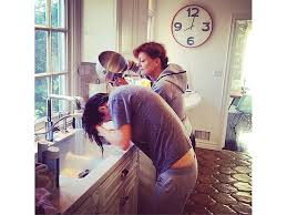 how to wash your hair in the sink susan sarandon washes eva amurri martino s hair in sink after