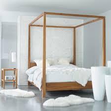 chambre lit baldaquin design interieur atmosphère romantique chambre coucher lit