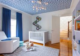 plafond chambre bébé décoration chambre bébé garçon en bleu 36 idées cool décoration