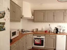 repeindre une cuisine ancienne repeindre des meubles de cuisine en pin exceptionnel repeindre