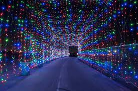 christmas lights in niagara falls ontario this amazing light tunnel is opening just outside toronto