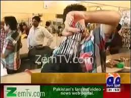 pakistan hair style video pakistani barber use 11 scissors at time during hair cutting watch