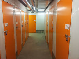 Storage Locker Units by Five Key Benefits Of Local Storage Units Handy Space