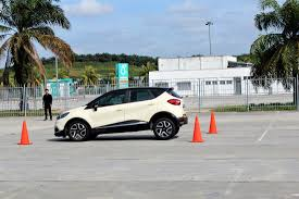 renault suv 2017 renault owners have fun with safety autoworld com my