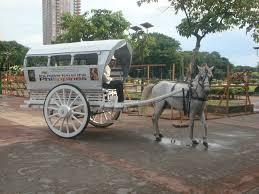 kalesa philippines the historical rizal park manila boundless footsteps