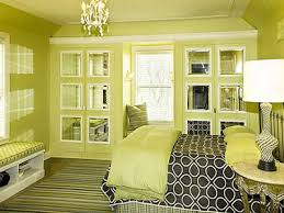 Bedroom Decorating Ideas Green Paint And Wallpaper - Green color bedroom