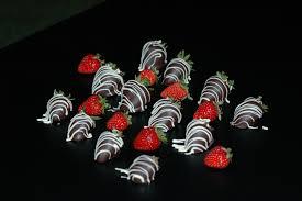 White Chocolate Dipped Strawberries Belgian Chocolate Dipped Strawberries Www Brugeschocolaterie Com