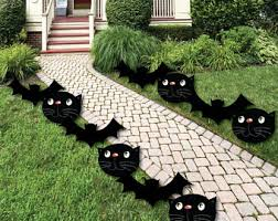 black cats and bats shaped lawn decorations outdoor