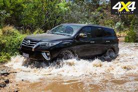 fortuner 4x4 of the year finalists toyota fortuner gxl 4x4 australia