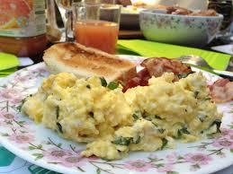 quoi cuisiner avec des oeufs la science des sublimes œufs brouillés selon gordon ramsay