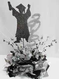Black And Silver Centerpieces by Best 25 Graduation Centerpiece Ideas On Pinterest Grad Party