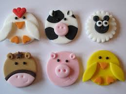 Plastic Christmas Cake Decorations For Sale by Best 25 Fondant Cake Toppers Ideas On Pinterest Fondant Animals