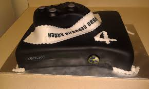 tlite cakes and planning xbox and controller birthday cake