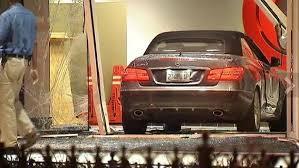 car crashes into cnn center in atlanta hollywood reporter