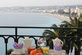 hotel en suisse avec dans la chambre chambre privilège avec balcon et vue mer picture of hotel suisse