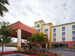 hotel in cocoa beach florida holiday inn express u0026 suites