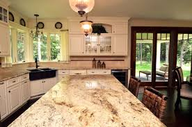 great close up of the sienna brulee granite on the kitchen island
