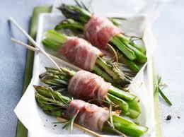 cuisiner l asperge velouté d asperges facile et pas cher recette sur cuisine actuelle