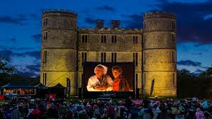Outdoor Cinema Botanical Gardens The Five Best Outdoor Cinemas From Casablanca In Kew Gardens To