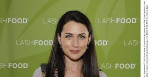 rena sofer hairstyles heroes star rena sofer to play snow white s mother on once upon
