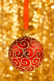 gold christmas 32 amazing and gold christmas décor ideas digsdigs