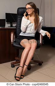 sous le bureau de la secretaire travaux bureau secrétaire business séance travail photo de