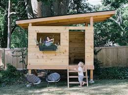 Backyard Playhouse Ideas Best 25 Backyard Playhouse Ideas On Pinterest Clubhouse
